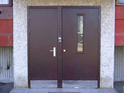 двери железные входные цены с домофоном