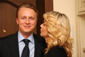 Бывший муж Ксении Новиковой заявил, что увез детей законным путем