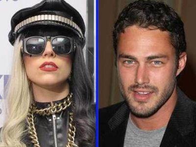 Леди Гага не собирается рожать от своего возлюбленнного