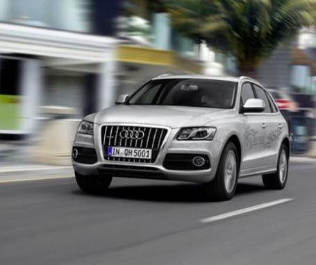 Audi начинает продажи в России гибридного кроссовера Q5