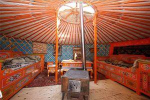 В Иркутске поставили необычную юрту