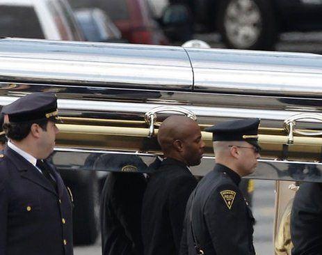 Уитни Хьюстон похоронили под ее песню I Will Always Love You