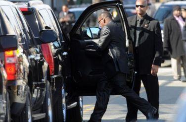 Бобби Браун со скандалом покинул похороны Уитни Хьюстон