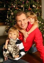 Александр Малинин с младшими детьми