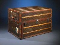 449 pxРазмер.  Ретро чемодан от Louis VuittonШирина.  Mejind.