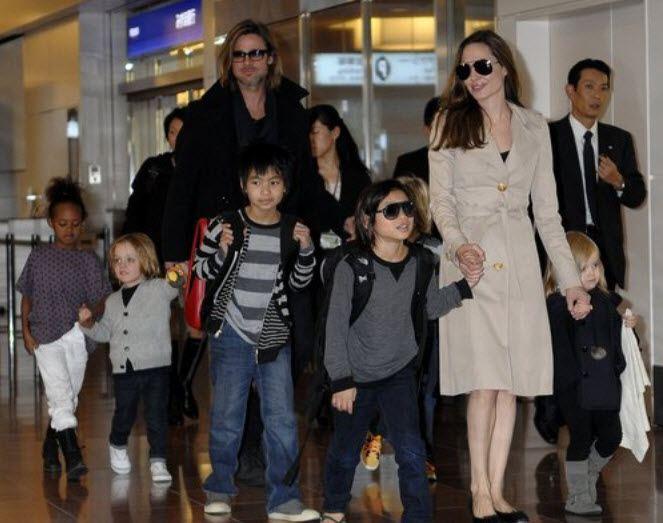 Анджелина Джоли Фото Плачет