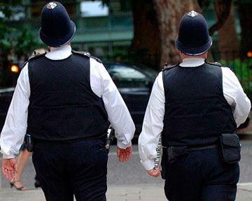 Британских «бобби» заставят затянуть пояса