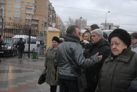 Много людей пришло отдать дань памяти Ирине Пороховщиковой