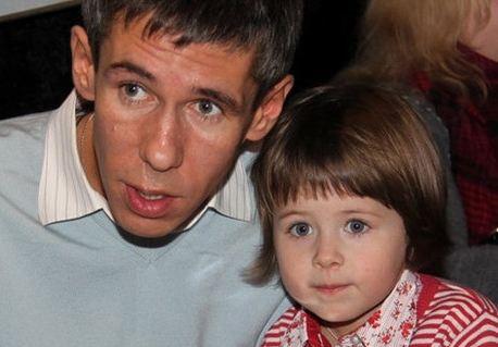 Алексей Панин с любимой дочкой