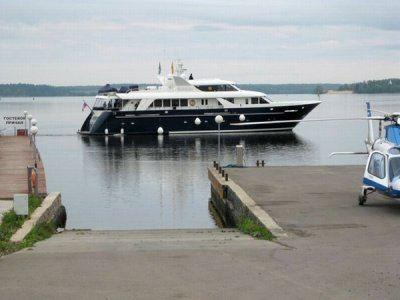 Яхта Паллада за 4 миллиона долларов уже побывала в эпицентре скандала