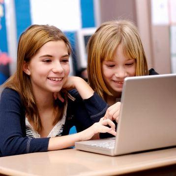 Большинство родителей предпочитает контролировать присутствие детей в Сети