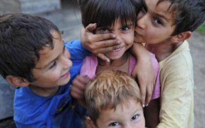 Мигрантам с детьми-школьниками пошли навстречу
