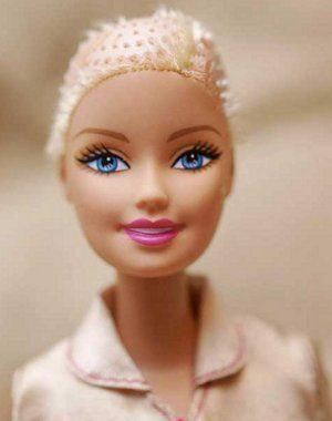 Mattel Inc. начинает выпускать лысую Барби