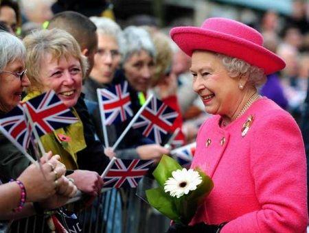 Королева и подданные