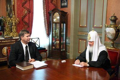 Патриарх Кирилл еще в часах