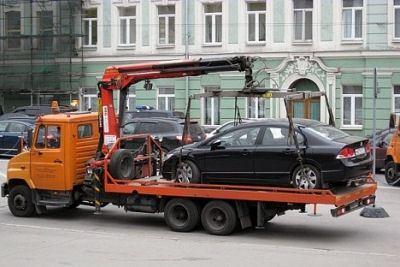Эвакуатор доставит машину на штрафстоянку