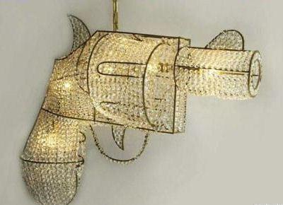 Люстра-револьвер для Мадонны