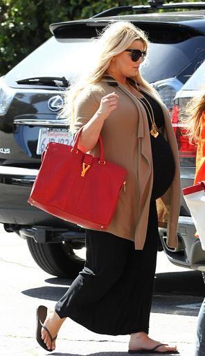 Джессика Симпсон на последнем месяце беременности
