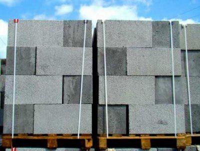 Строительные блоки производятся из пластиковых отходов