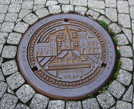 Первые канализационные люки появились пару тысяч лет назад в Древнем Риме