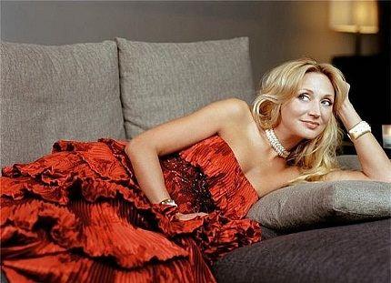 Талантливая певица и просто красивая женщина