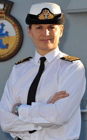 Сара Уэст (Sarah West) — первая женщина капитан фрегата Великобритании