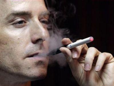 В Беларуси курит каждый третий.