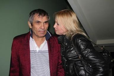 Бари Алибасов с невестой