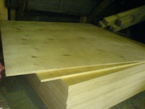 Российский рынок  фанеры и древесных плит в 2011 году  вырос на 28.4 процента