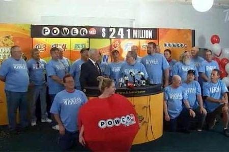 20 сотрудников кондитерской фабрики разбогатели, выиграв в лотерею Джек-пот