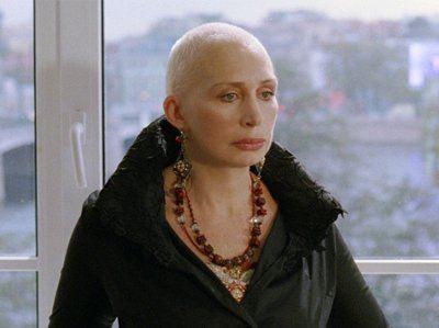 После двух неудачных браков, Васильева решила покупать внимание мужчин