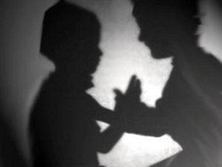 «Школьница рассказала об учителе-извращенце своей сестре»