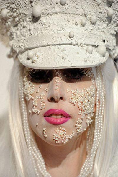 Леди Гага всегда умеет удивить фанатов