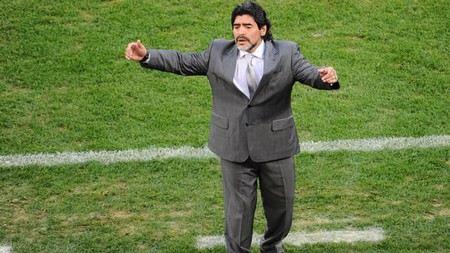 Тренерский пиджак пришелся не по плечу: Диего Марадона снова безработный