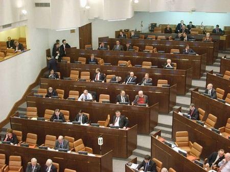 Члены Совета Федерации проголосовали за статью «О клевете» почти единогласно