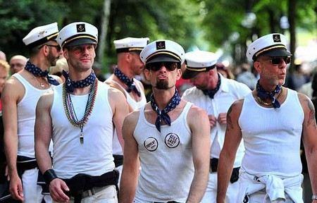Пентагон разрешил военнослужащим приходить на парад в форме