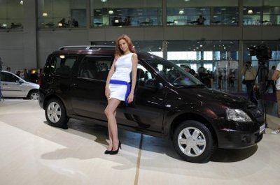 Новые Lada Largus появились в автосалонах