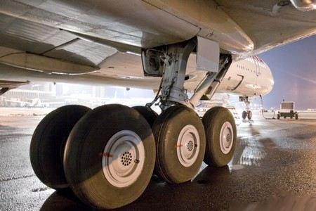 Два самолета с техническими неисправностями совершили аварийные посадки в аэропортах Сургута и Тюмени
