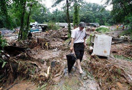В КНДР из-за проливных дождей без жилья остались 16 тысяч человек
