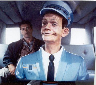 Интерактивный водитель такси из «Вспомнить все» и Арнольд Шварценеггер на заднем сиденье такси