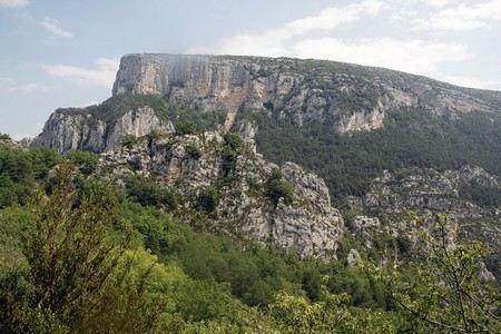 Военный вертолет разбился во Франции в Альпах Северного Прованса