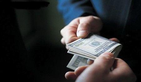 В Москве сотрудница налоговой службы вымогала взятки в размере 1,4 млн рублей