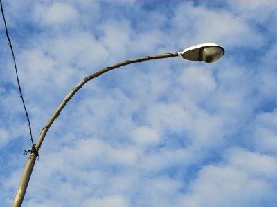 Фонарь способен передавать энергию ветра и солнца в электросеть
