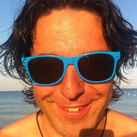 Андрей Малахов в смешных синих очках