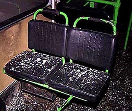 В Нефтекамске 19-летний хулиган обстрелял из пневматического пистолета пассажирский автобус