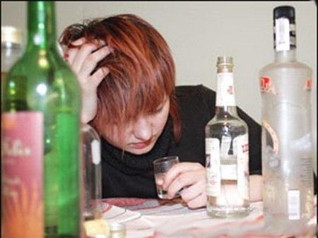 - Взрослых надо жестче наказывать за вовлечение детей в пьянство, - Дмитрий Медведев