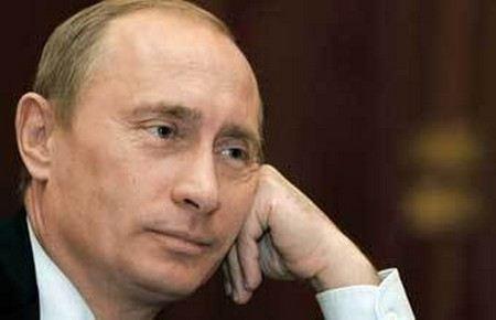 Сотрудницу МИД задержали за сообщение о покушении на Владимира Путина