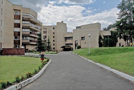 В Подмосковье, в пансионате Минздрава 32 человека заболели кишечной инфекцией после питания в столовой