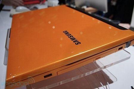 Игровой ноутбук облачен в желтый корпус