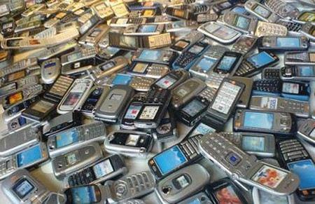 В «Шереметьево» грузчиков будут судить за похищение мобильных телефонов